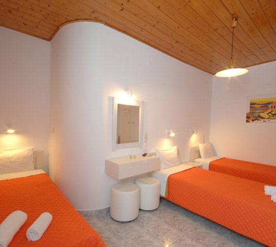 5-triple-room